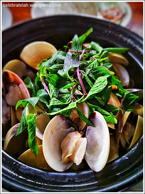 steamed-clams-01_zpso81s4o8i